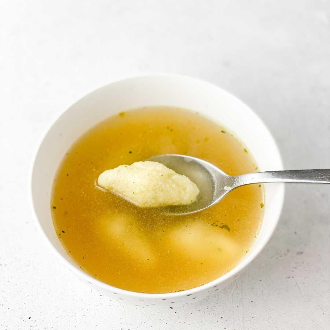 Grieß-Nockerl-Suppe